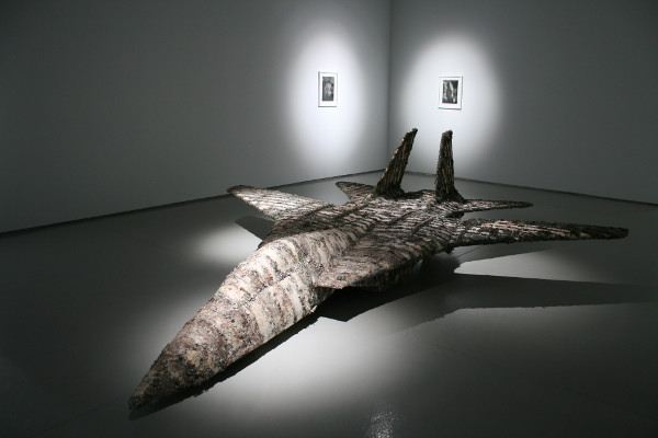sculpture airplane